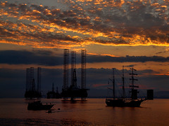 Old and new (ccgd) Tags: boat ship oil rig jack up cromarty scotland sunset gloaming