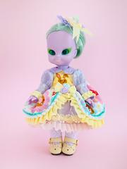 Esmeralda (Helena / Funny Bunny) Tags: funnybunny emeraldwitch vintage doll 1972 solidbackground esmeralda