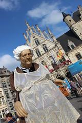 Uit zonder Uitlaat (mechelenblogt_jan) Tags: mechelen grotemarkt stadhuis uitzonderuitlaat