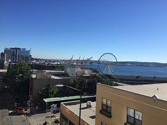 Pike-Place-Market_6464 (Ren Fabre) Tags: seattle pikeplacemarket seattlewaterfront ferriswheel harborisland pugetsound