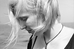 Janne (Juliet Alpha November) Tags: ilford pan 100 analogue analog film 35mm bw sw face profile gesicht profil wind windy windig hair haar blonde blond portrait portrt jan meifert