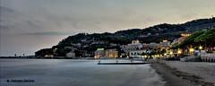 diano marina (sanino fabrizio) Tags: tramonto notturna paesaggio mare promontorio acqua luci spiaggia citt passeggiata promenade molo diano marina imperia liguria italia mar ligure canon 550d 1855