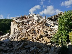 14305410_181675282267529_2694713899575649016_o (superenzo) Tags: casale terremoto