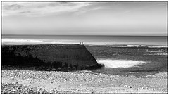 ... (jean76_58) Tags: jean7658 pentax blackwhite bw noirblanc nb normandie monochrome monotone beach sand plage sable coast cte littoral graphisme graphic mer sea ocean