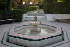 Jardines del Alczar (Bazinga!) Tags: siviglia sevilla seville realalcazar alcazar jardines jardinesdelalcazar fontana fountain fuente