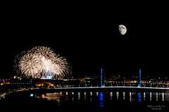 Eclat de lune (Wilfried DC) Tags: moon lune fireworks nightscape night bordeaux france brigde pont
