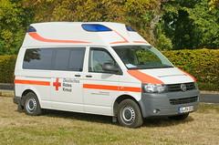 VW Ambulanz 3.9.2016 3596 (orangevolvobusdriver4u) Tags: 2016 archiv2016 deutschland germany ddr gdr magdeburg ommma ommma2016 ambulanz ambulance krankenwagen vw vwbus t5 vwt5 deutschesroteskreuz