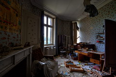(k_a_t_i_a) Tags: urbex urbandecay beautyindecay derelict decay disused school toys mansion chateau family history rotten rust dust decor old windows forgotten belgium beds beauty