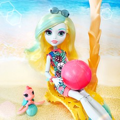 Ready for a #Clawsome day of Fun in the Sun!  (jlantistoys) Tags: dolls doll monster monsterhighdolls ghoul beast pet lagoonablue monsterhigh toys photography collector collection ever after high beach