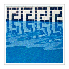 Based on David Hockney II (Splitti68) Tags: quadrat square pool wasser aqua swimmingpool blau blue spiegelung reflection splitti splitti68 splittstser splittstoesser