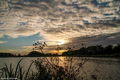 Ambiance de fin de journe (antoinebouyer) Tags: crpuscule ciel altocumulus sky cloud nuage temps nature mto