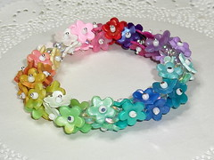Un million de flores (klio1961) Tags: beautiful leaves rainbow crystals handmade unique oneofakind jewelry polymerclay fimo translucent madebyme multicolor authentic shimmering inks handtinted artesania pardo cernit vividcolors joyas pulseras premo handamde kollier micapowders alcoholinks pearlaccents kosmimata braxiolia xeiropoiito