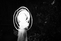 (Daniel Iván) Tags: longexposure light portrait blackandwhite blancoynegro night portraits blackwhite long exposure retrato retratos exposición blackwhitephotography blackwhitephoto antiportrait blackwhitephotos prolongada fotografíablancoynegro ofportalsandparallelworlds
