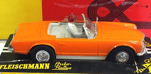 Fleischmann Mercedes 230SL 1-32