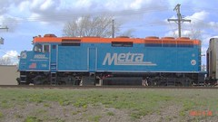 Metra's  116 in Brookfield  ILL. Side study  #116 (Chicago Rail Head) Tags: racetrack 116 speedway raceway commutertrain metradiesel sidephotostudy differentcabs