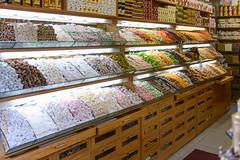 Istanbul (Edi Bähler) Tags: foods perspective perspektive lebensmittel 2470mmf28 ladengeschäft nikond800