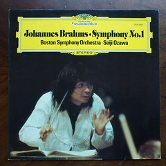 Brahms - Symphony No.1 op.68 - Boston SO, Ozawa, DGG 2530 889, 1977 (Piano Piano!) Tags: artwork album vinyl lp record classical disc 1977 platte sleeve ozawa hoes gramophone 12inch vynil classique klassiek plaat hulle grammofoon langspielplatte brahmssymphonyno1op68bostonso dgg2530889