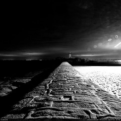 Lines (Ludtz) Tags: ludtz canon canoneos5dmkiii 5dmkiii bretagne breizh brittany bzh 29 trvignon pointedetrvignon sea mer ocean atlantic atlantique rock rocher rocks rochers port harbor phare lighthouse lights ef24|28is digue