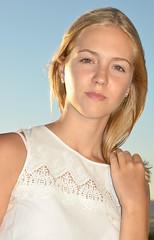 Andrea. (eustoquio.molina) Tags: portrait chica girl woman mujer rubia bella feminine retrato