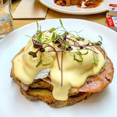Eggs Benedict at Cafe Amba in South Yarra (ultrakml) Tags: breakfast egg poached benedict hollandaise southyarra melbourne victoria australia food cafeamba bacon toast bread