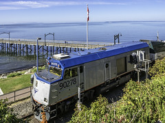NPU backing toward Vancouver (Tony Tomlin) Tags: amtrak amtrakcascades whiterockbc whiterockpier whiterockbeach npu drivingtrailer railroad