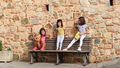 Pausa merenda (GFondacaro) Tags: bambine merenda pausa