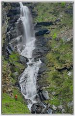 Io e la cascata (marypink) Tags: parconazionalegranparadiso ceresolereale piemonte riodellapercia waterfall cascata montagna me nikond7200 nikkor80400mmf4556