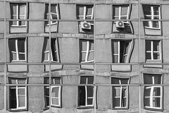 Warsaw Windows (*altglas*) Tags: warschau warsaw warszawa windows fenster facade fassade reflection spiegelung surreal bw monochrome architecture architektur