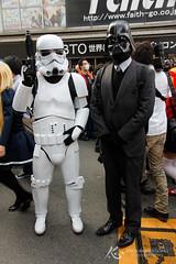 Nipponbashi Street Festa '13 143 (Stormtrooper & Darth) (crazybluepanda) Tags: japan cosplay nippombashi   nippombashistreetfesta starwars darthvader darth vader stormtrooper nipponbashistreetfesta nipponbashi street festa