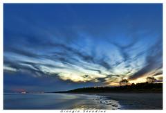 brussa primi tramonti di settembre (Giorgio Serodine) Tags: brussa marina acqua veneto caorle sabbia pini alberi tramonto sole nuvole allaperto disera mosso luci ombre cielo canon