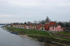 Pavia - Borgo Ticino (Il_Pazzo_77) Tags: pavia borgoticino colori case ticino fiume fiumeazzurro
