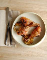 Marjoram orange roast chicken / Frango assado com manjerona e laranja (Patricia Scarpin) Tags: marjoram orange chicken freshherbs garlic citrus meat easy