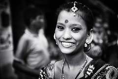 Smile (daniele romagnoli - Tanks for 15 million views) Tags:    indien india romagnolidaniele d810 nikon asia  inde indiana indiani  strada street road bianconero biancoenero bw indie portrait ritratto sguardo calcuta calcutta blackandwhite face monocromo monochrome kolkata donna woman ragazza occhi eyes bellezza smile sorriso sourire sonrisa lcheln beauty