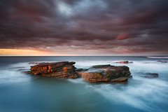 Rocky Island, Seaton Sluice (Alistair Bennett) Tags: sunset seascape evening rocks northumberland polarizer seatonsluice nd09 rockyisland canonef1740mm4lusm gnd075he