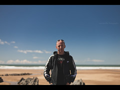 Self At Woolacombe (Lee|Ratters) Tags: sea portrait sun self canon 50mm sand f14 devon foofighters woolacombe 5dmk2