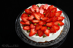 Mascarpone no bake cheesecake with strawberries (Un dejeuner de soleil) Tags: food cake recipe strawberries cheesecake vanilla recette mascarpone nobake gteau foodphotography fraises pistaches undejeunerdesoleil