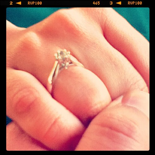 #esoficial since last night... I'm engaged to @helguita