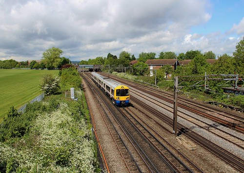 London Overground Class 378 378220 on up Watford service approaching South Kenton, 23rd. May 2013.