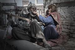 Feeding the husband (Lukas Werth) Tags: pakistan punjab sufism urs mysticism shergarh sufids dawdbandagi