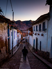 Way down to the City of Cusco, Peru (hdbrand) Tags: peru exif:isospeed=400 geocountry geocity geostate camera:model=x100t geo:lon=71978378333333 exif:aperture=20 exif:model=x100t geolocation exif:make=fujifilm exif:focallength=23mm geo:lat=13512838333333 camera:make=fujifilm cusco dmmerung sunset