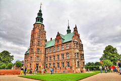 Rosenborg Castle, Copenhagen! (kekaneshrikant) Tags: rosenborg castle old green amazing huge copenhagen denmark 2016 july canon 1585 building architecture scandik
