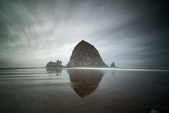 Haystack Rock (Sophie Carr Photography) Tags: haystackrock oregon cannonbeach longexposure ndfilter sunrise roadtrip
