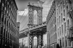 Manhattan Bridge (noaxl.berlin) Tags: manhatten sony a7rii samyang rokinon walimex 14mm newyork ny architektur architecture bridge manhattenbridge blackandwhite