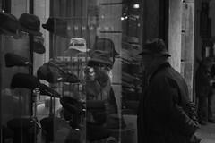 _DSC8831 (alexcore_) Tags: blackandwhite blancoynegro bn bw monochrome people street hats shop gentleman reflection