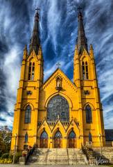 Saint Andrews October Sky (Terry Aldhizer) Tags: saint andrews catholic church october sky fall autumn roanoke virginia clouds terry aldhizer wwwterryaldhizercom