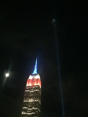 IMG_0483 (gundust) Tags: nyc ny usa september 2016 newyork newyorkcity manhattan architecture esb empirestatebuilding skyscraper september11th 911 tributeinlight xeon twintowers memorial remembrance night