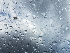Gotas. (dearwalrus) Tags: sky cel cielo drops gotes gotas rainy pluja lluvia majorca mallorca santanyi calador plus 6s iphone