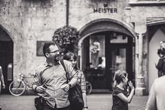 family day... (Harry Pammer) Tags: people austria innsbruck tirol street bw bnw black blackwhite white blackandwhite monochrome monochrom schwarzweiss schwarz weiss