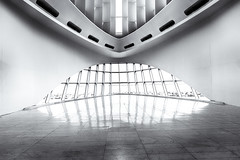 Milwaukee Art Museum - Interior (NikonD3xuser1(Thanks for 1.6 million visits)) Tags: usa wisconsin milwaukee milwaukeeartmuseum interior architecture lights windows nikon d810