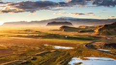 Golden hour lights at Dyrholaey (Sander Grefte) Tags: iceland ijsland landscape landscha landschap goldenhour goldenlight licht sunset zonsondergang heuvels schaduw shadow hills cliffs cliff rotsen sandergreftephotoscom nikon tamron1750